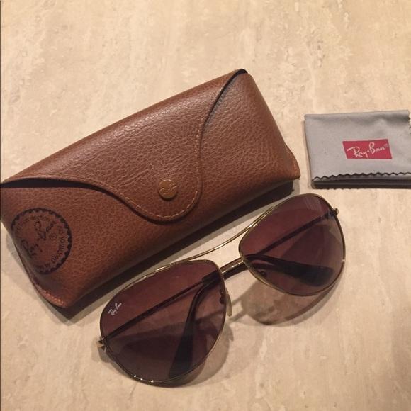117d74cf4c Ray-Ban Womens Aviator Sunglasses. M 5aa4b0ed3316279cd2f510c1